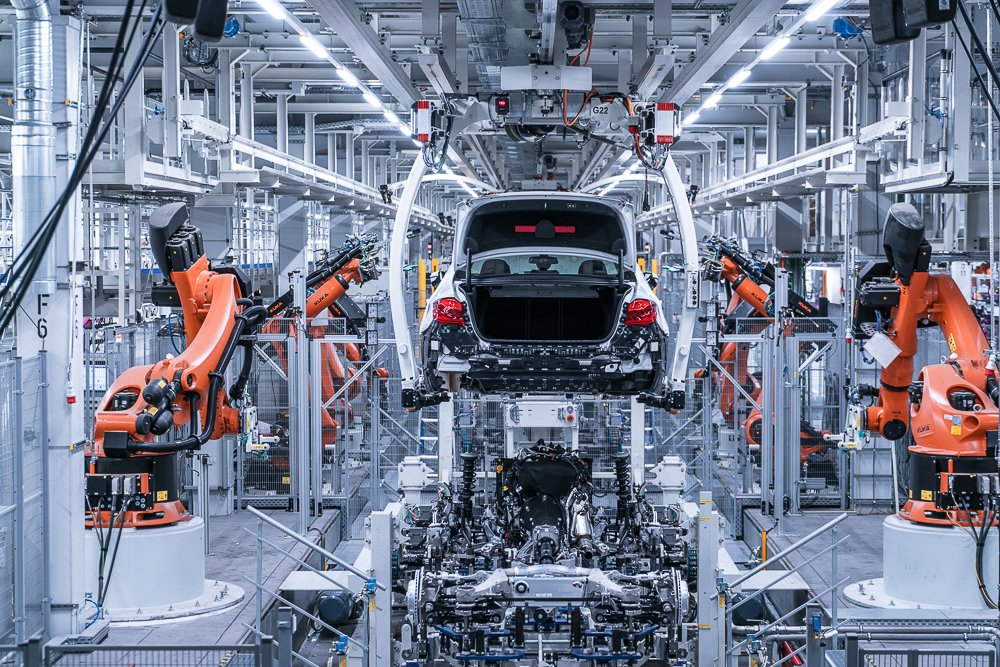Behind The Scenes At The Bmw Factory Dingolfing Impetus Novus