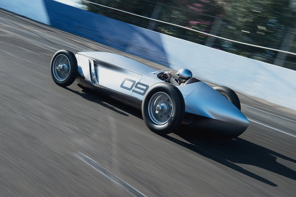 What if…all-electric Infiniti went classic car racing?